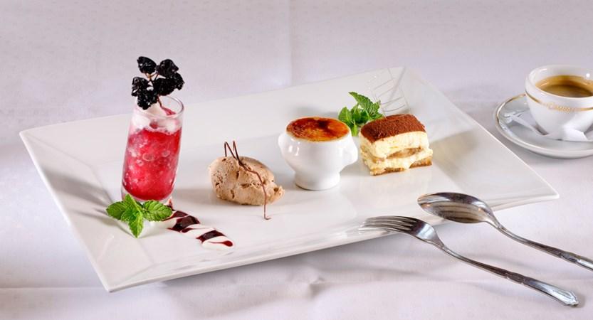 Dessert Plates Hotel Bären Bernese Oberland Switzerland Wilderswill