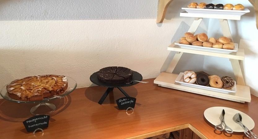 cake hotel butterfly zermatt swiss