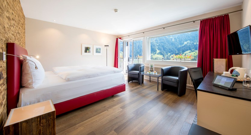 Classic Doppelzimmer Double Room Eiger 01_Belvedere Swiss Quality Hotel Grindelwald.jpg