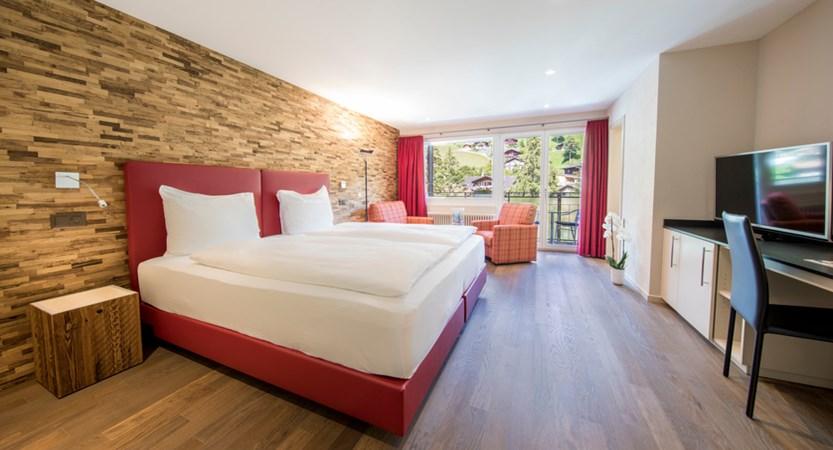 Classic Doppelzimmer Double Room Wetterhorn 01_Belvedere Swiss Quality Hotel Grindelwald.jpg