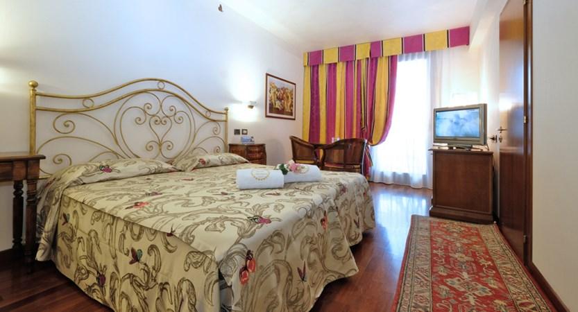 Hotel Villa Madrina, Classic Room with Balcony