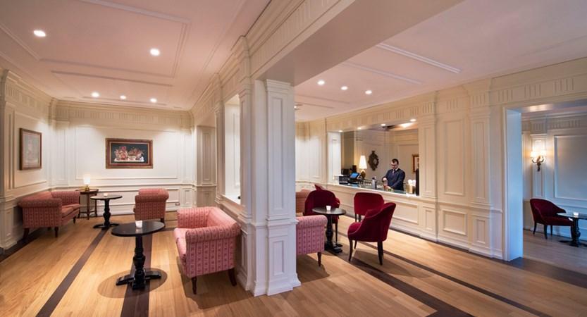 Grotta Giusti_Hotel_General_Il Poeta Bar.jpg