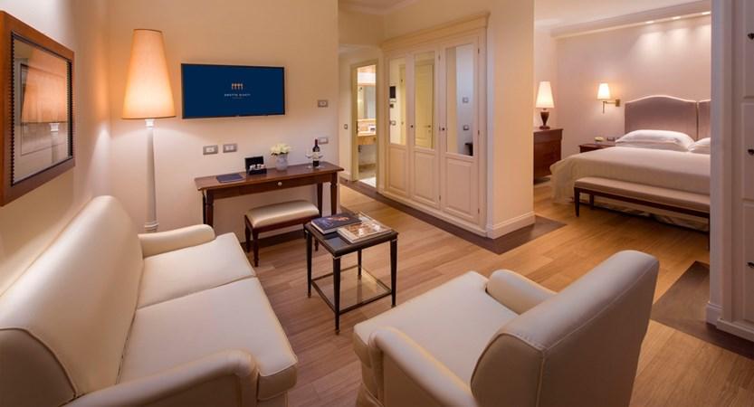 Grotta Giusti_Hotel_Rooms_Junior Suite Mount View.jpg