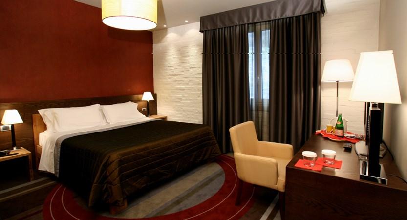 Admiral_Park_Hotel_Room.jpg