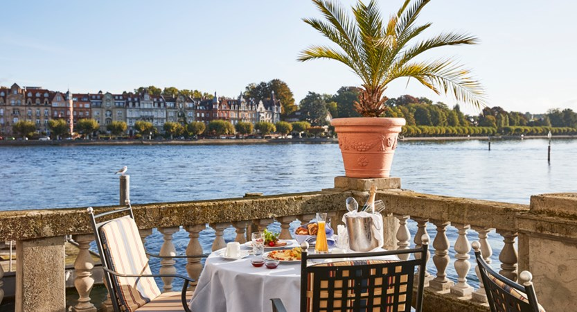SHR_Konstanz_restaurant_lakeview_town_2.jpg
