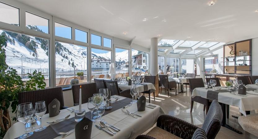 Hotel Alpina Deluxe Resort Obergurgl Austria  Winter Garden