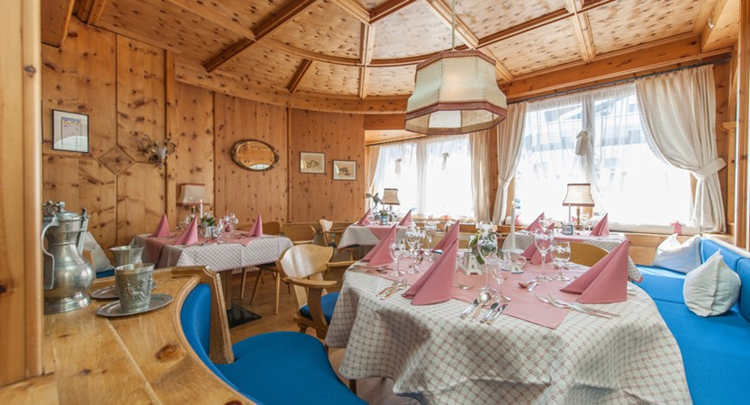 Hotel Alpina Deluxe Resort Obergurgl Austria  Restaurant