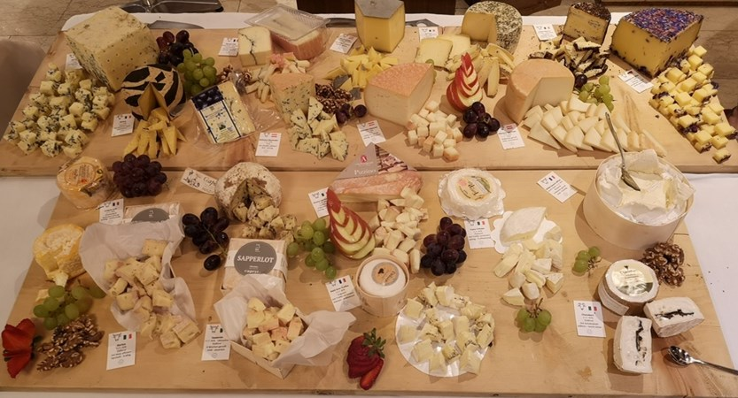Hotel Alpina Deluxe Resort Obergurgl Austria Cheese (1)