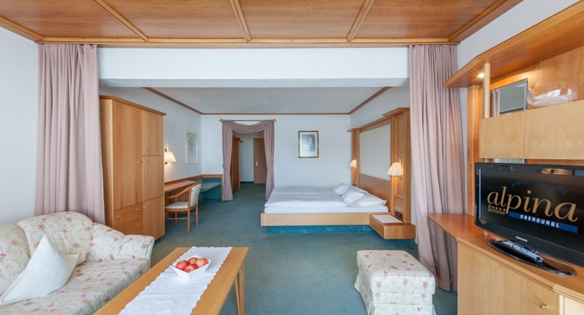 Hotel Alpina Deluxe Resort Obergurgl Austria D Room