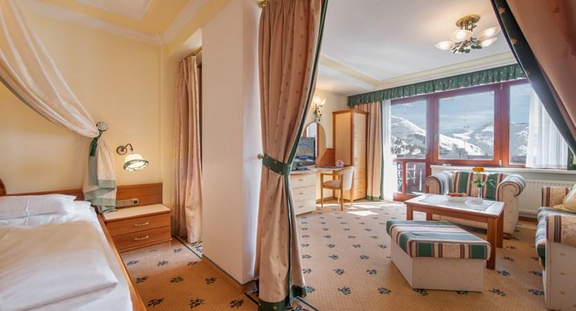 Hotel Alpina Deluxe Resort Obergurgl Austria E Room (1)