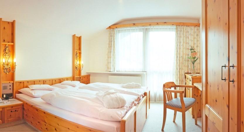 Hotel Alpina Deluxe Resort Obergurgl Austria G Room (1)