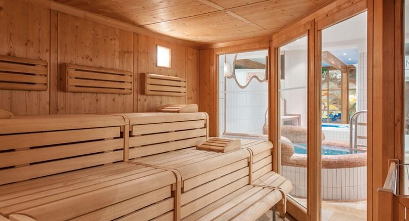 Hotel Alpina Deluxe Resort Obergurgl Austria Sauna (2)