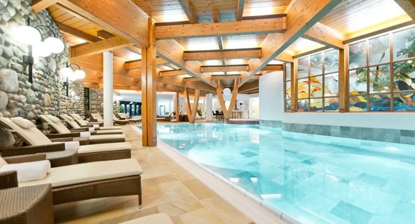 Hotel Alpina Deluxe Resort Obergurgl Austria Pool