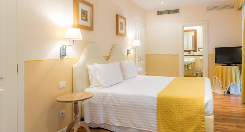 Grand_Hotel_Bristol_Rapallo_CAMERA STANDARD 2.jpg