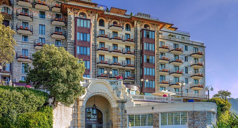 Excelsior_Palace_Hotel_Facciata-hotel-NEW2400.jpg