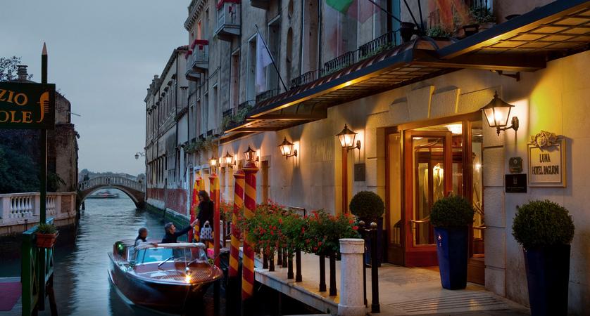 1_Baglioni_Hotel_Luna_Exterior.jpg (1)