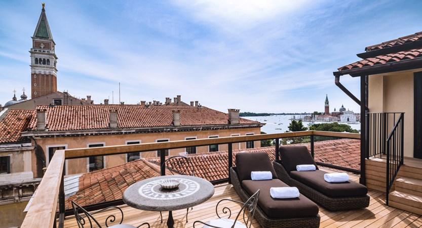 5_Baglioni_Hotel_Luna_Giorgione_Terrace_Suite.jpg