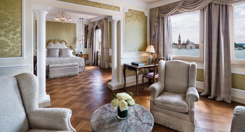 9_Baglioni_Hotel_Luna_Venezia_Tiziano_Suite.jpg