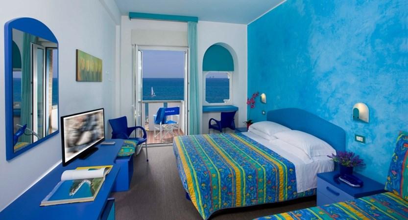 htl_Napoleon_Bedroom.jpg