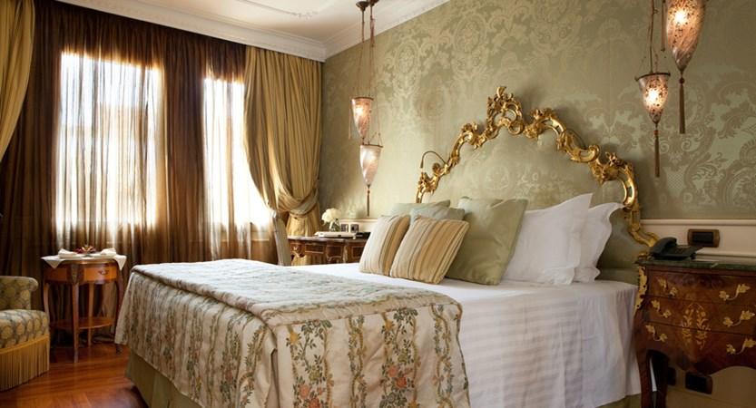 Baglioni_Hotel_Luna_Superior_Room.jpg