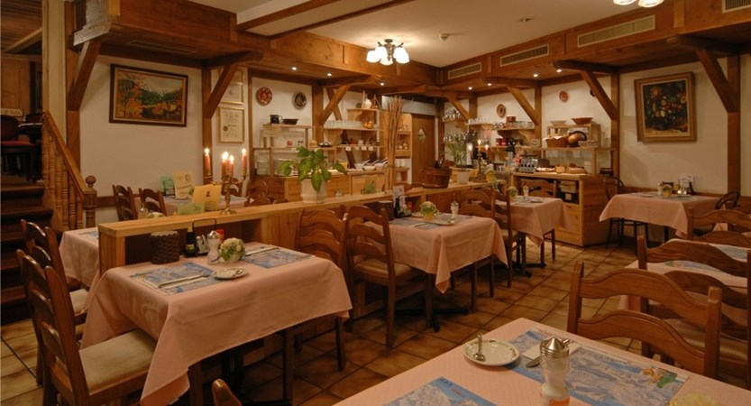 Half board restaurant