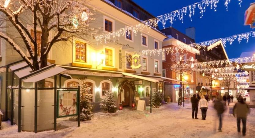 Hotel Grüner Baum Zell am See Austria Street