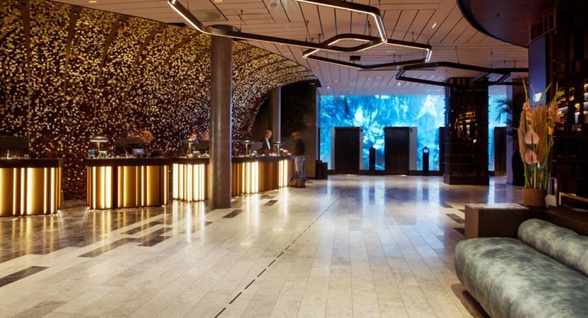 Clarion_Hotel_Oslo_Lobby.jpg