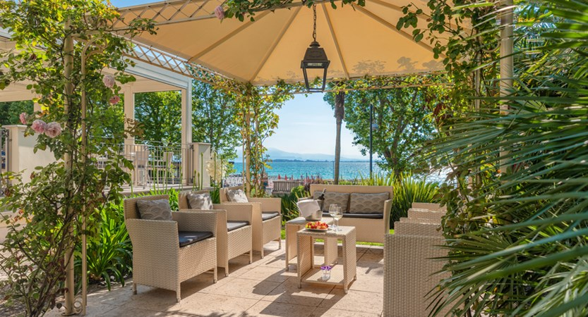 Hotel Villa Rosa, Drinks Terrace and Lounge