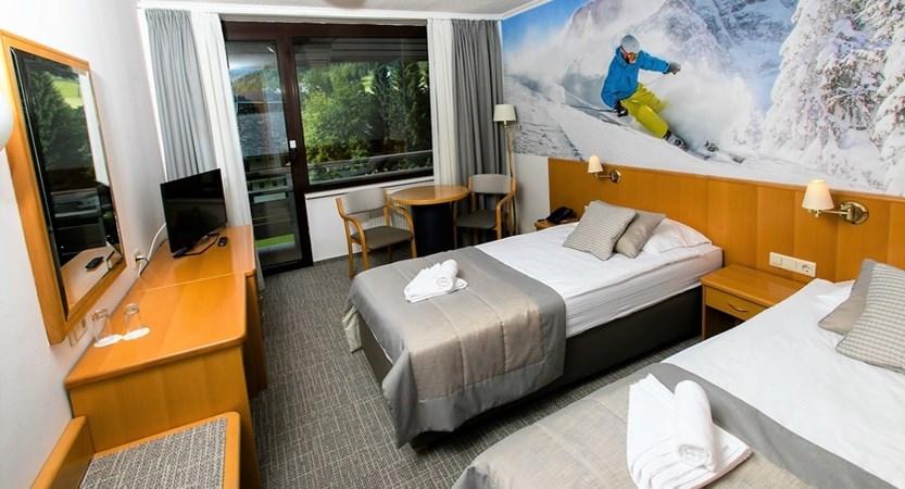 hotel twin room 2.jpg
