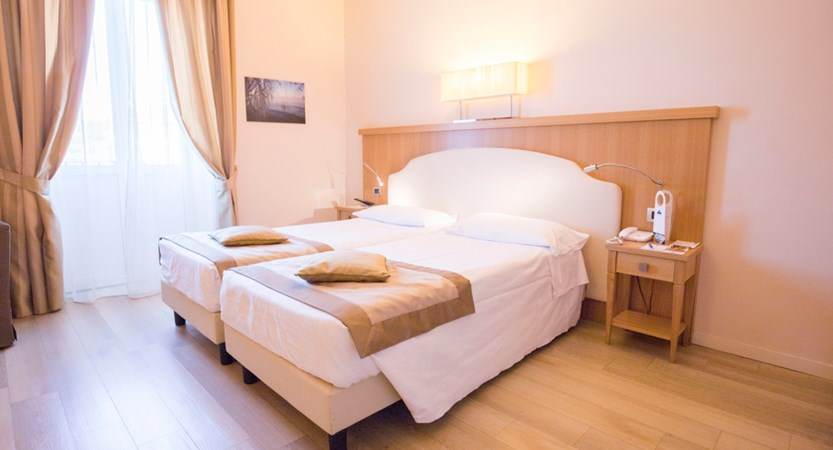 Hotel Sirmione, Classic Double Room.jpg