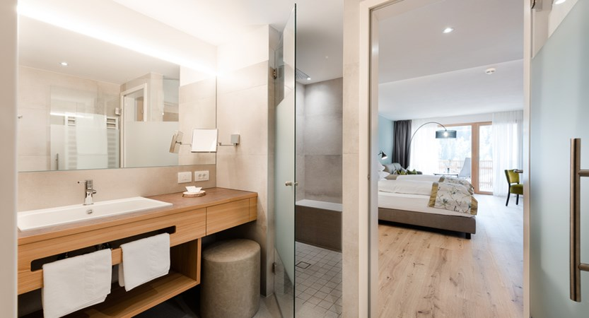 Hotel Diamant, Clean Air bathroom