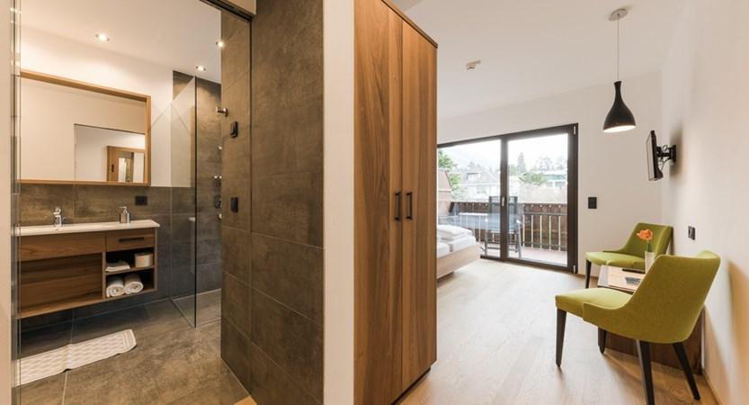 Hotel Salgart, North Facing Room (Bathroom)