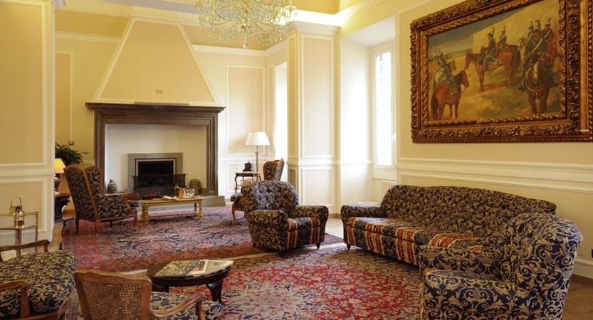 Grand_Hotel_Vittoria_Zona_Caminetto.jpg