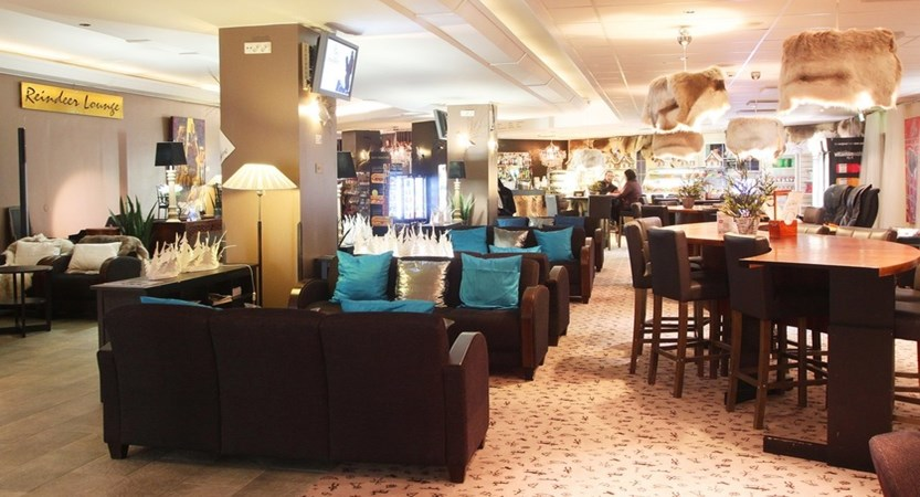 Crazy_Reindeer_Hotel_Lobby_Bar.jpg