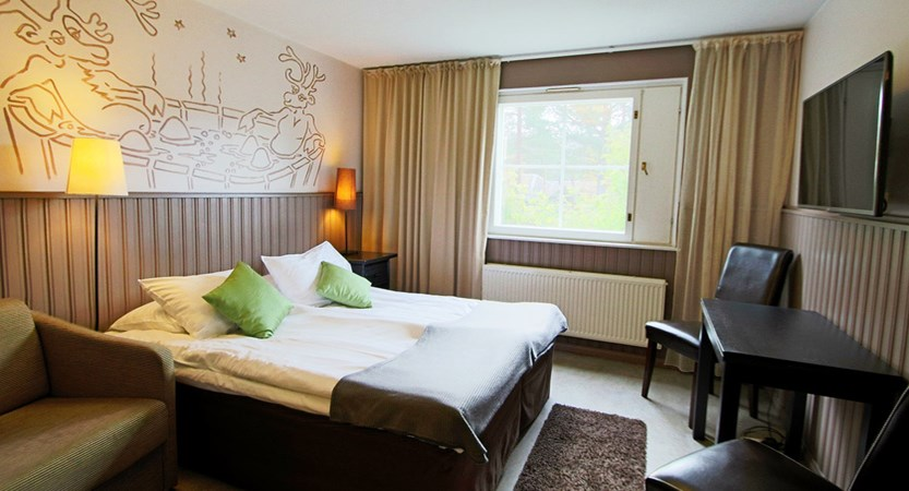 Crazy_Reindeer_Hotel_standard_room.jpg