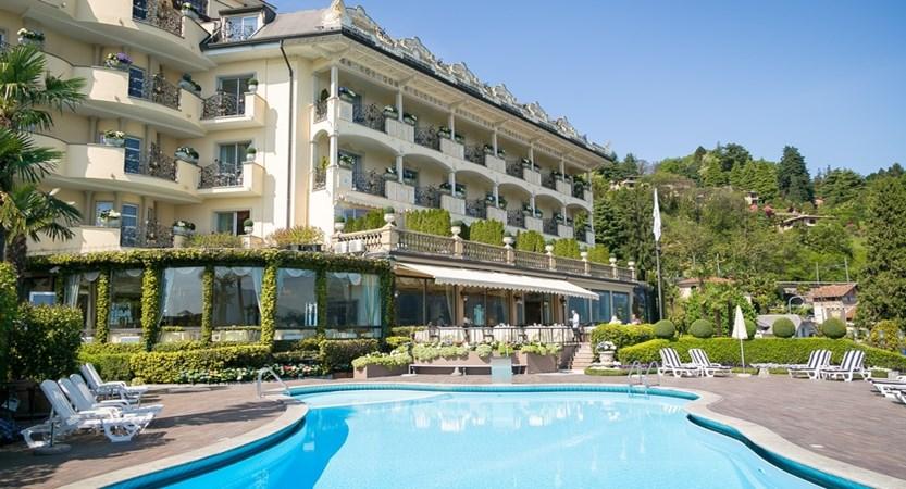 Villa e Palazzo Aminta, Pool and rear view