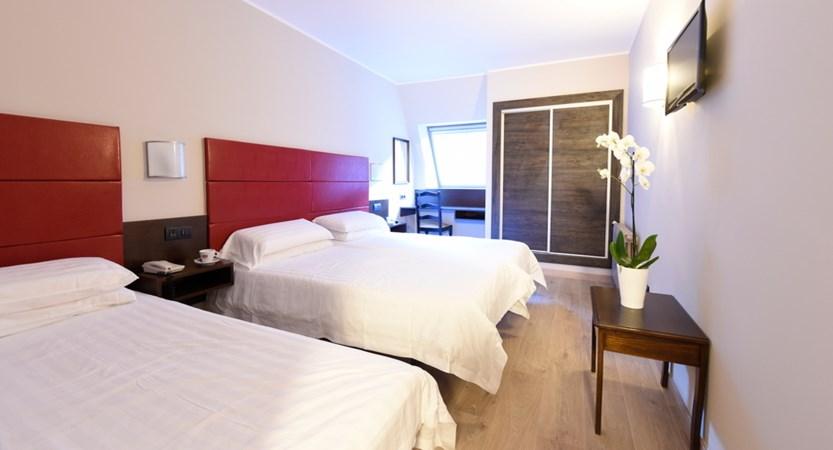 bedroom-triple.jpg