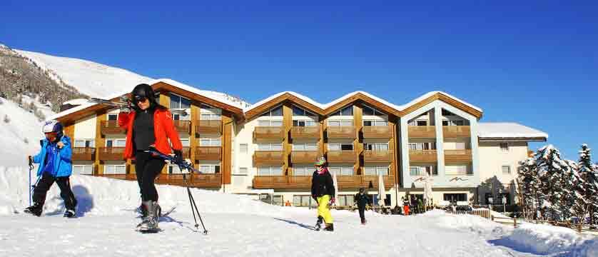 italy_livigno_hotel-lac-salin_exterior.jpg
