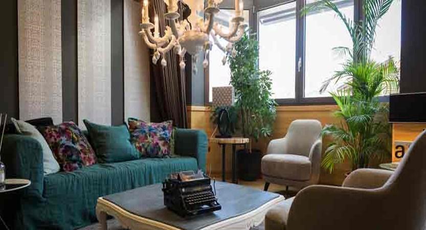 italy_livigno_hotel-lac-salin_lobby.jpg
