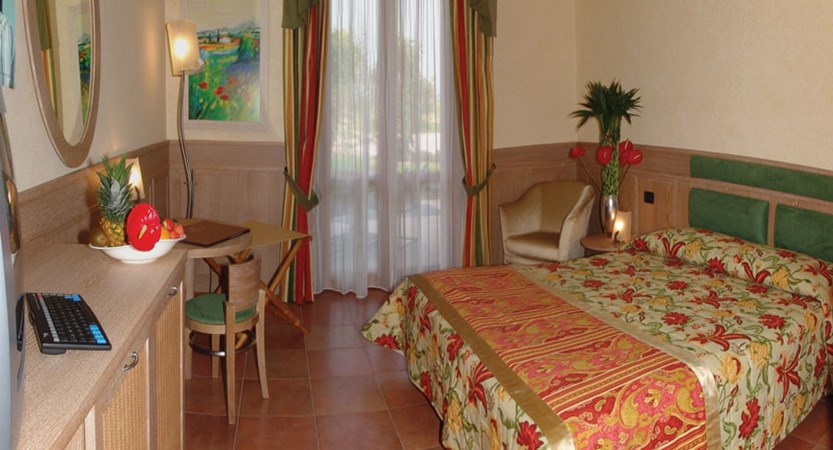 Parc Hotel, Peschiera, Lake Garda, Italy - Bedroom.jpg