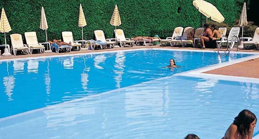 Bella Peschiera, Peschiera, Lake Garda, Italy - outdoor pool.jpg