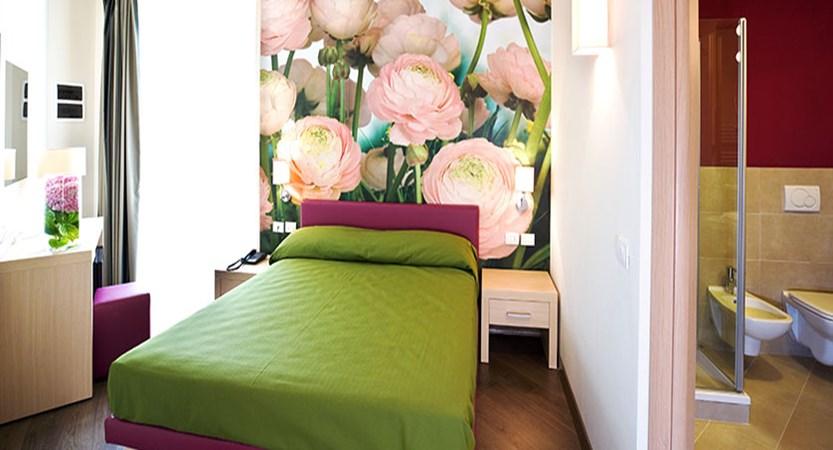Hotel Acquadolce, Peschiera, Lake Garda, Italy - bedroom.jpg