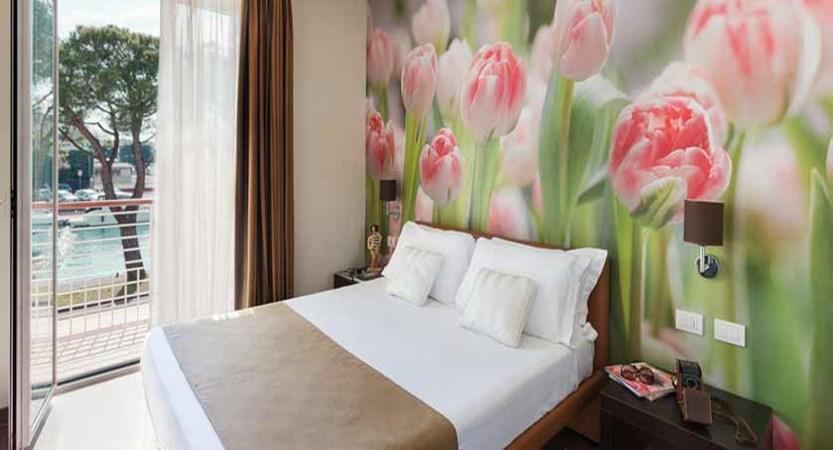 Hotel Acquadolce, Peschiera, Lake Garda, Italy - double bedroom.jpg