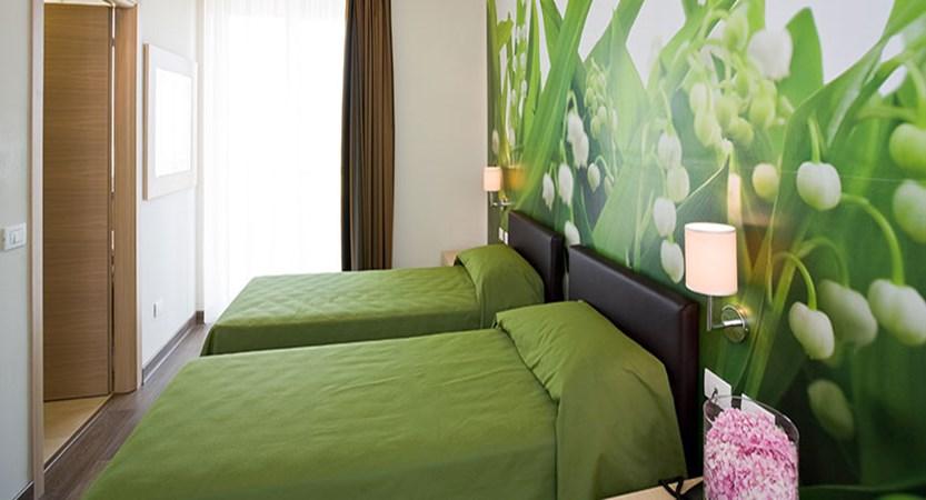Hotel Acquadolce, Peschiera, Lake Garda, Italy - twin bedroom.jpg