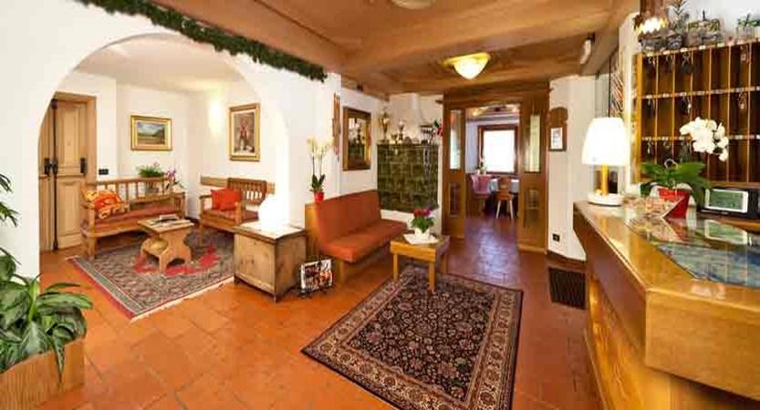 italy_livigno_hotel-livigno_lobby.jpg