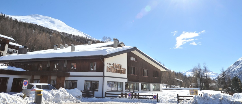 italy_livigno_hotel-intermonti_exterior.jpg
