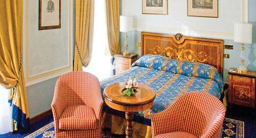 Grand Hotel Des Iles Borromees, Stresa, Lake Maggiore, Italy - bedroom.jpg