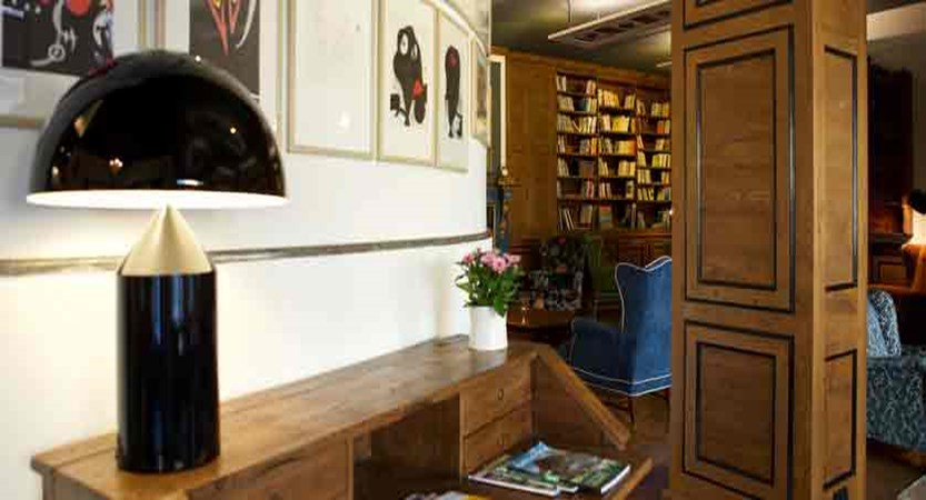italy_pila-aosta_hotel-duca-d'aosta_lounge.jpg