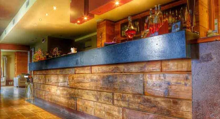 italy_pila-aosta_hotel-la-chance_bar.jpg