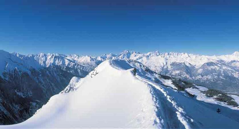 italy_aosta_mountain_top.jpg